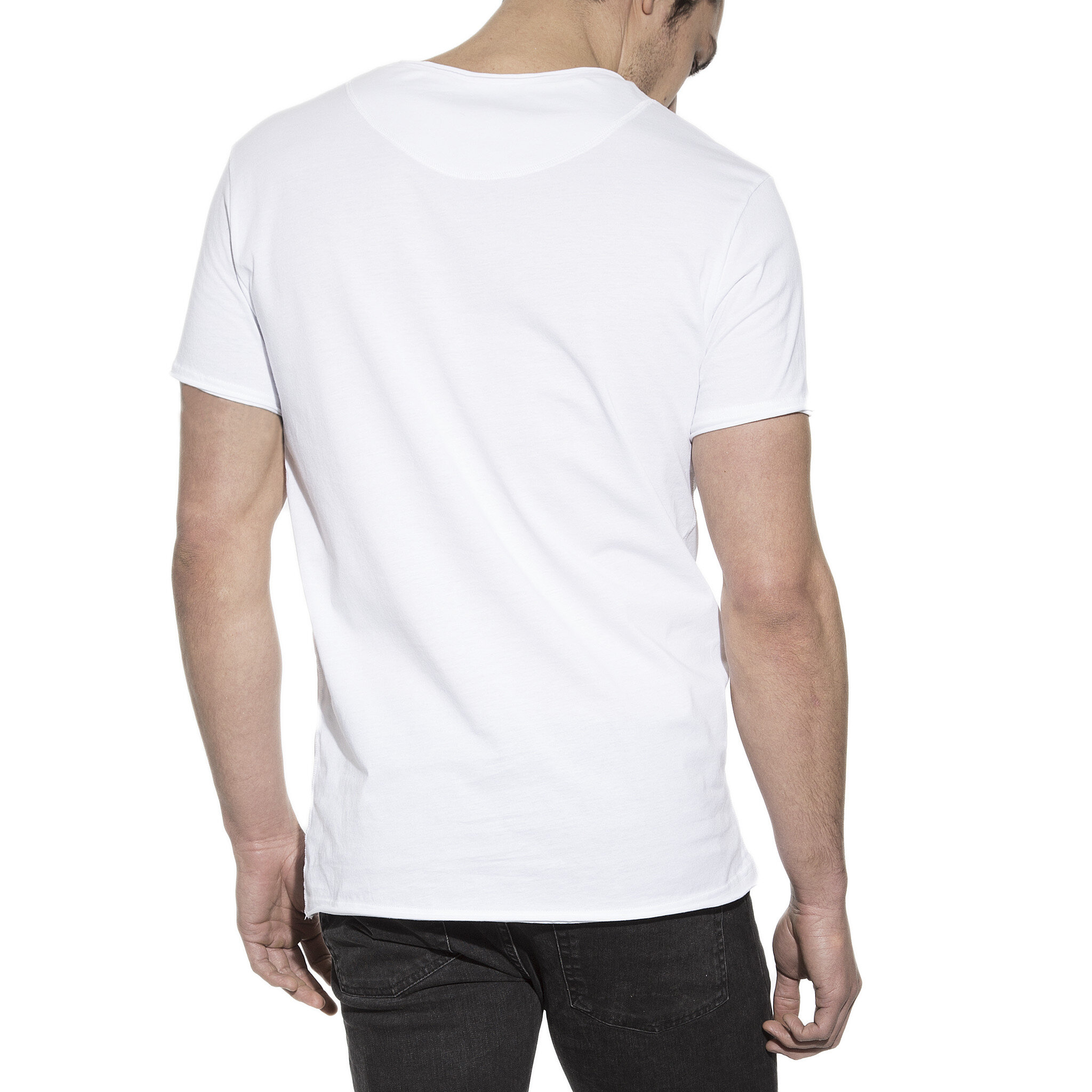 103201_Man_Crew-Neck_relaxed_white_3